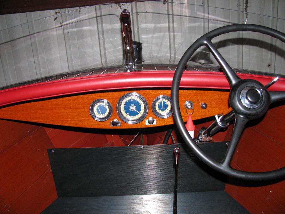 1942 17' Chris Craft Runabout