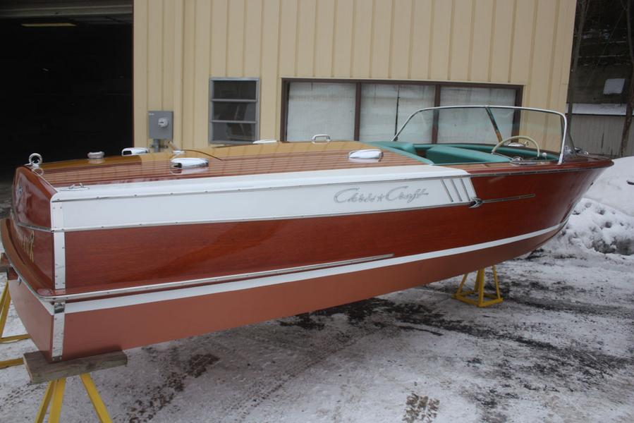 1961 19' Chris Craft Capri